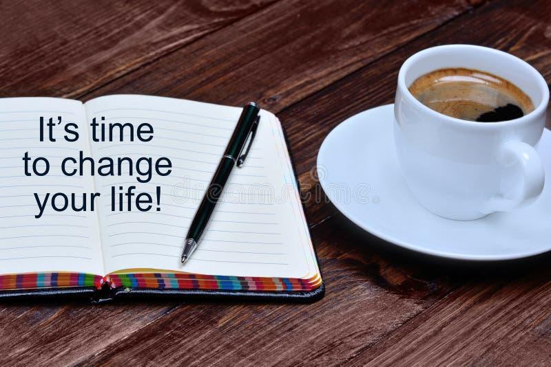 It& x27; время s изменить вашу жизнь на тетради стоковое изображение