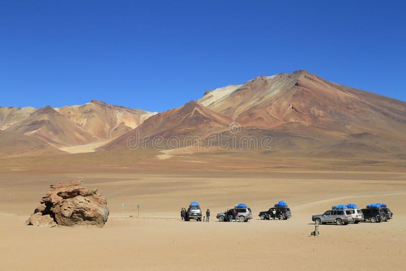 4X4冒险在撒拉族de Uyuni,玻利维亚 免版税库存图片
