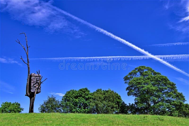 X marque la tache en parc de sculpture en Yorkshire image stock