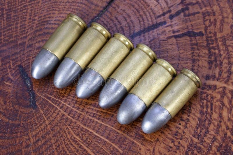 9x19mm Parabellum cartouches d'armes ? feu qui ont ?t? con?us par Georg Luger et ont pr?sent? en 1902 pour les armes allemandes photographie stock