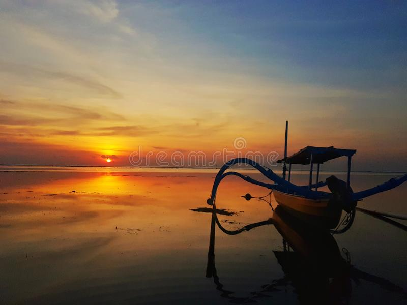 ' Nascer do sol de Sanur' foto de stock royalty free