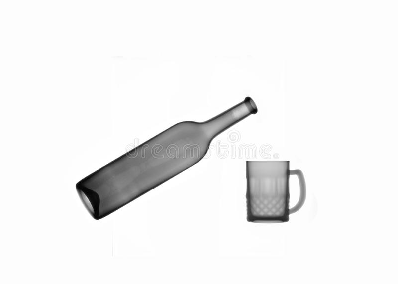 X-ray picture:bottle and mug