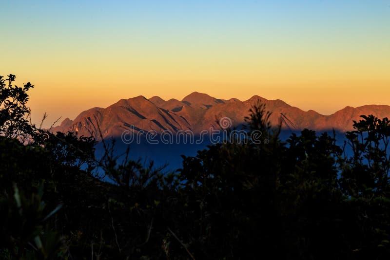 It& x27 s μια νέα ημέρα στα βουνά στοκ φωτογραφίες με δικαίωμα ελεύθερης χρήσης