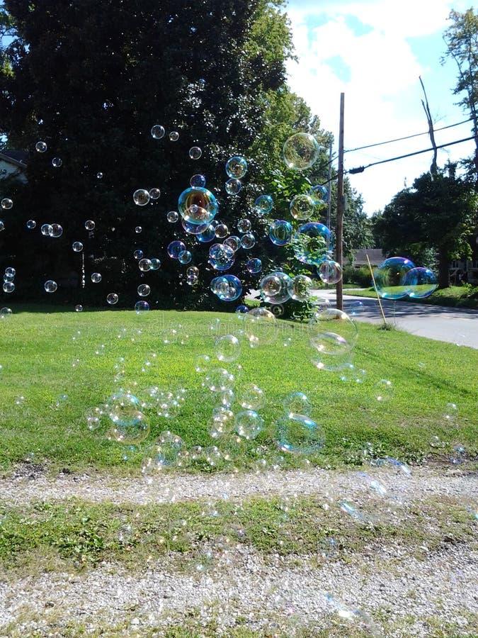 It& x27; s un il giorno pieno di bolle fotografie stock libere da diritti