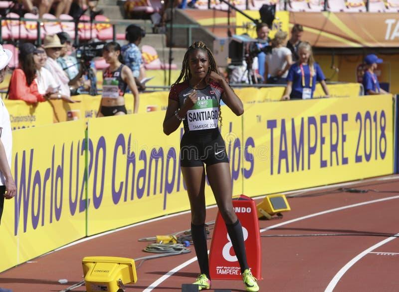 XAHRIA SANTIAGO Canada på starten av 400 metrshäckar på mästerskap för IAAF-värld U20 i Tammerfors, royaltyfri foto