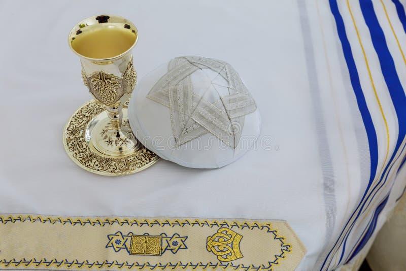 Xaile de oração - Tallit, símbolo religioso judaico imagem de stock