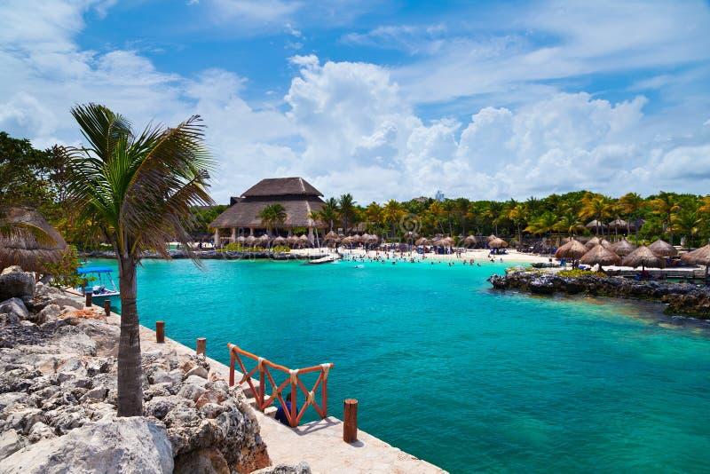 Xcaret海滩在玛雅里维埃拉 免版税库存图片