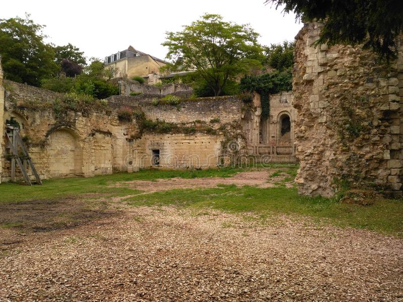 XI世纪城堡的废墟 免版税图库摄影