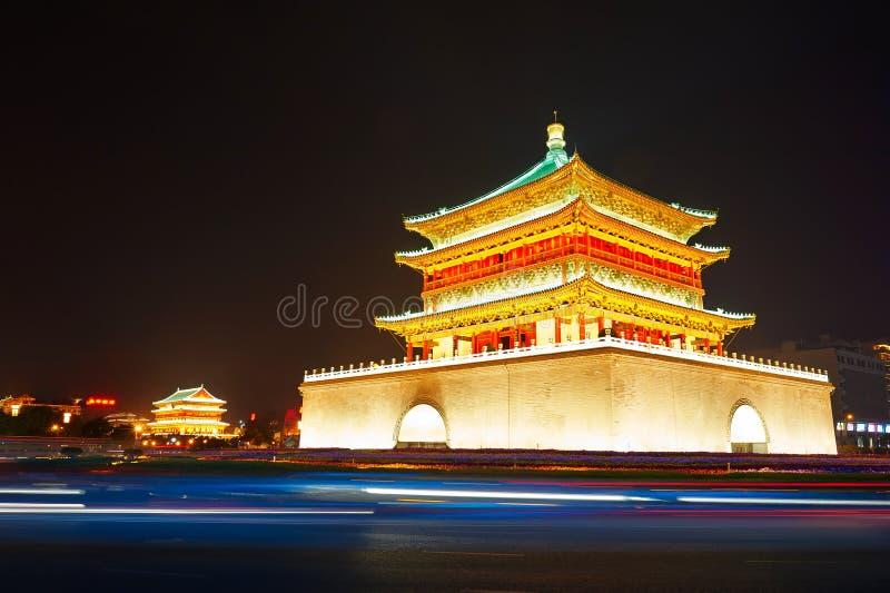Xi'anklok tower_drum-tower_night royalty-vrije stock afbeeldingen