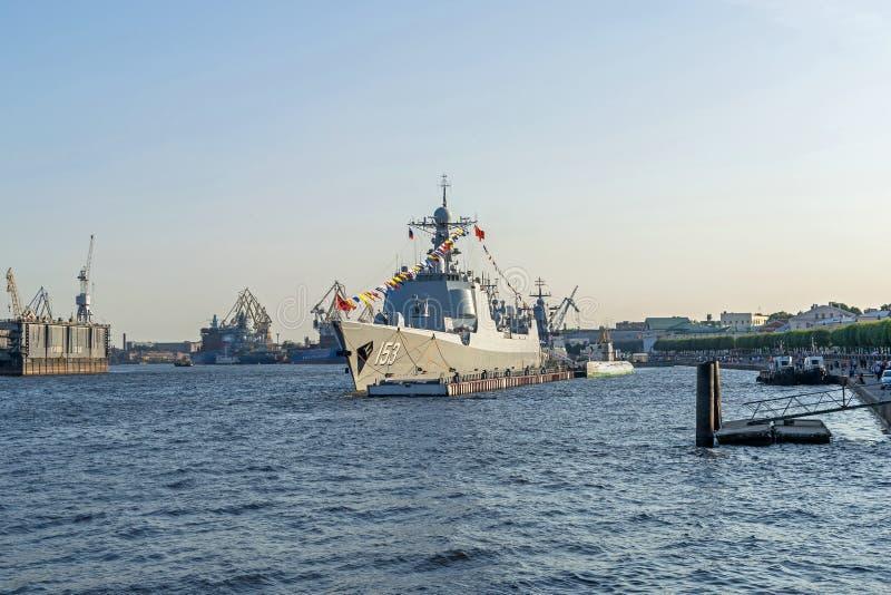 Xi'an 153 auf der Neva in Sankt Petersburg, Russland lizenzfreie stockbilder