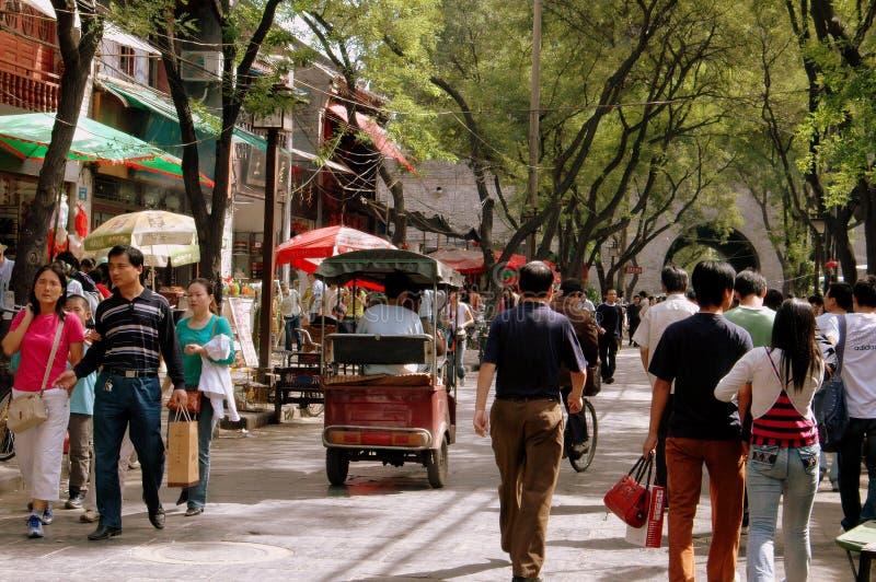 Xi'an, China: Calle del Lu de los hombres de Bei Yuan foto de archivo