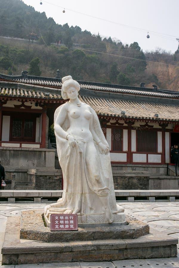 XI `, turist- dragningar för Kina ` s i statyn inom slotten arkivfoton