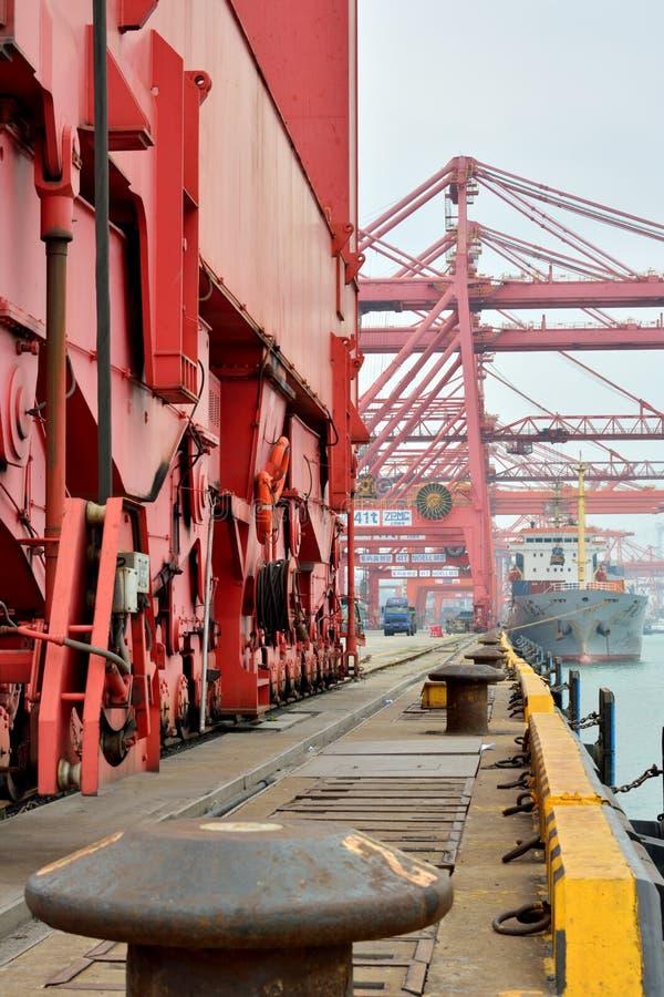 Download Xiamen Dock Operation, Fujian, China Editorial Photography - Image: 32932317