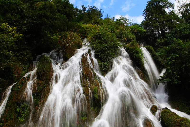 Xiaoqikong Guizhous Libo Naturschutzgebiet stockfotos