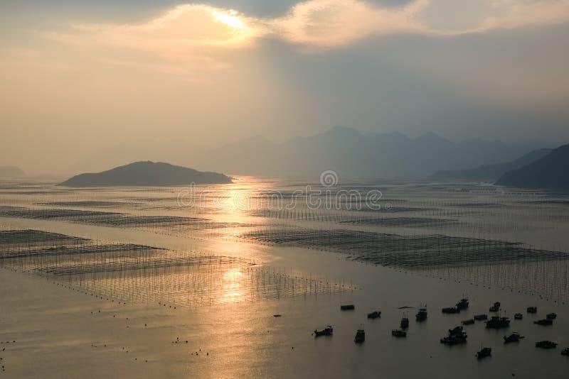 Xiapu tłumów krajobraz w zmierzchu fotografia stock