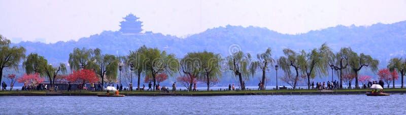Западное озеро весной стоковое фото