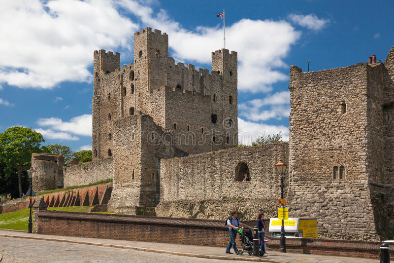 XII secolo del castello di Rochester Castello e rovine delle fortificazioni Risonanza, Inghilterra sudorientale fotografie stock