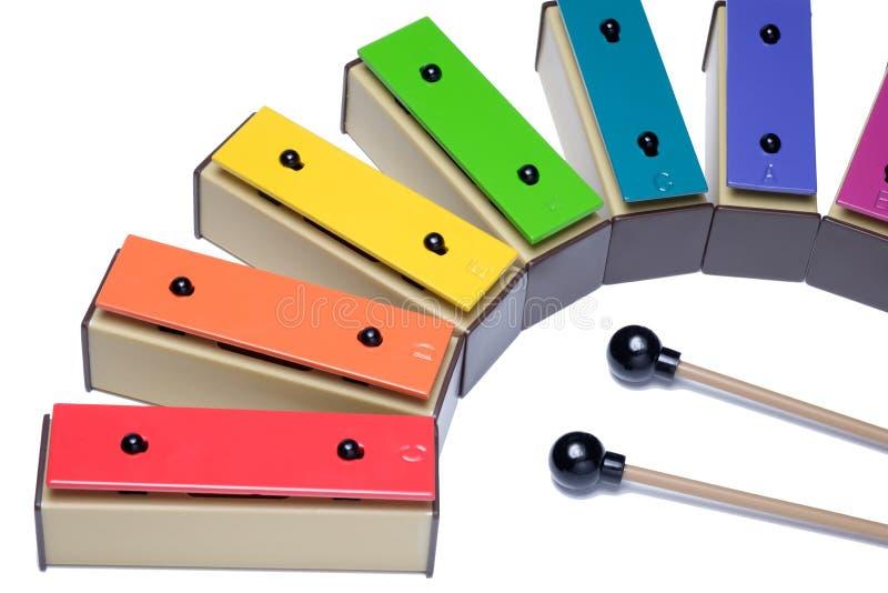 Xilófono colorido aislado en el fondo blanco foto de archivo
