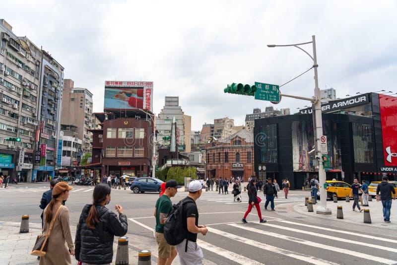 Ximending gatamarknad i det Wanhua omr?det, Taipei arkivfoton