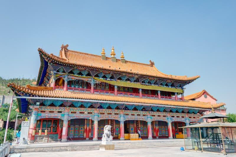 XINING CHINY, Jul, - 6 2014: Południowa Halna świątynia (Nanshan si) A zdjęcie royalty free