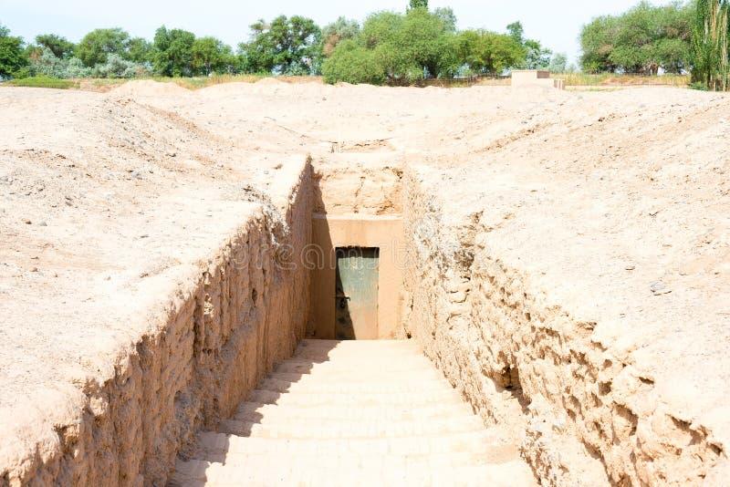 XINJIANG, CHINA - 6 de maio de 2015: Túmulos antigos de Astana um famoso olá! imagens de stock royalty free