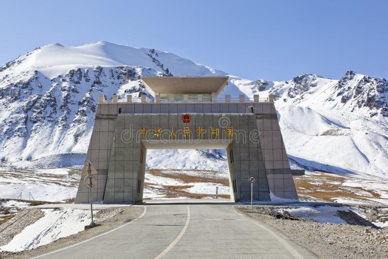 Xinjiang, porcelana: passagem do khunjerab foto de stock royalty free