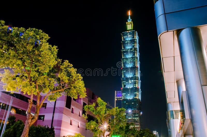 Xinyidistrict en Taipeh 101 Wolkenkrabber, werden het gebouw officieel geclassificeerd als wereld royalty-vrije stock foto