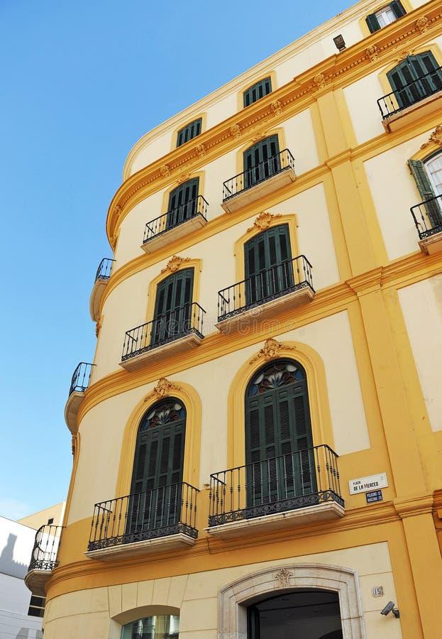 XIX世纪大厦在广场de la默塞德,马拉加,安大路西亚,西班牙 库存图片