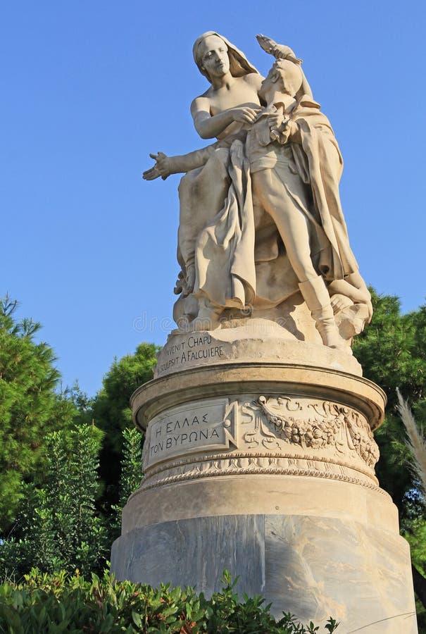 XIX Eeuwbeeldhouwwerk van Lord Byron in Athene, Griekenland stock foto's
