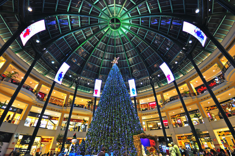 Download Xmas in shopping mall editorial stock image. Image of season - 35684834