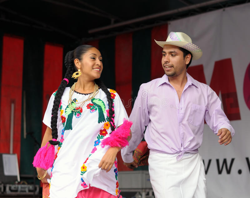 Xochicalli Mexican folkloric ballet