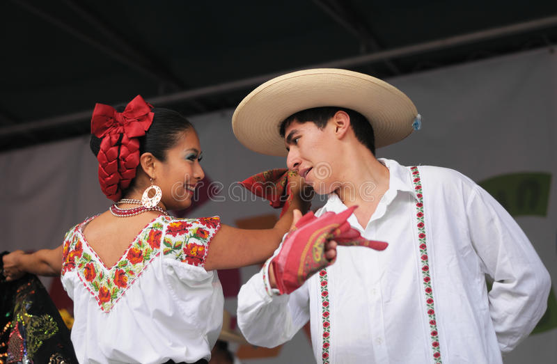 Download Mexican folkloric ballet editorial image. Image of america - 30278005
