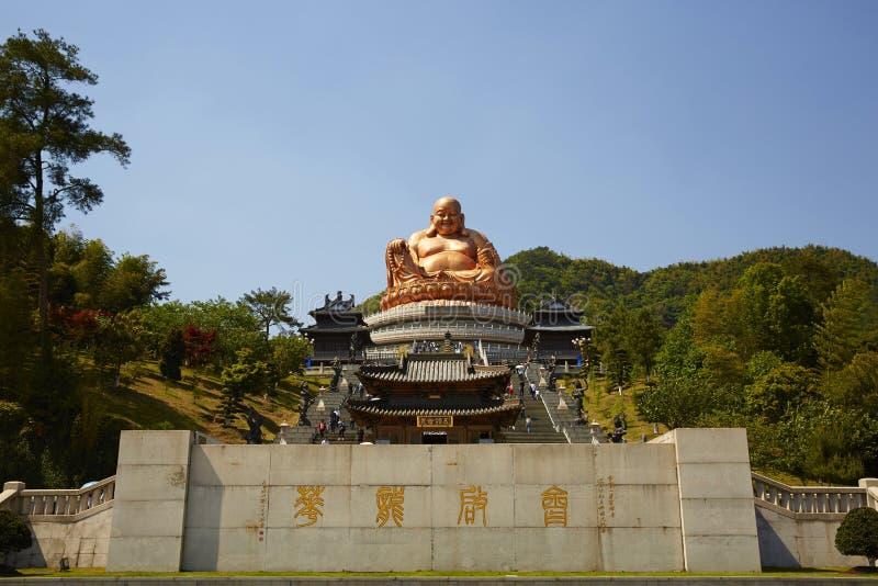 Xuedou tempel, Ningbo, Kina arkivbilder