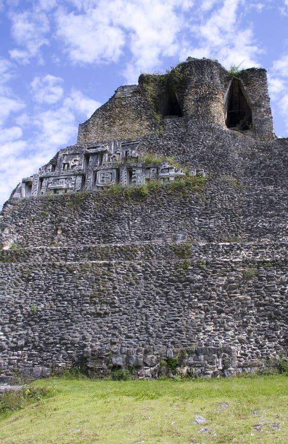 Xunantunich-Ruinen in Belize stockfotos