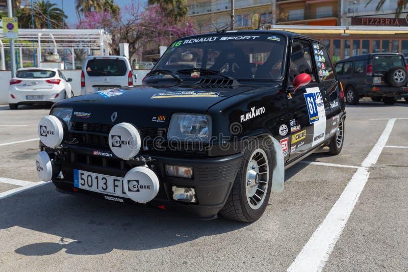 XV Sammlungs-Costa Brava Historic-Autorennen in einer Kleinstadt Palamos in Katalonien 04 20 2018 Spanien, Stadt Palamos stockfoto