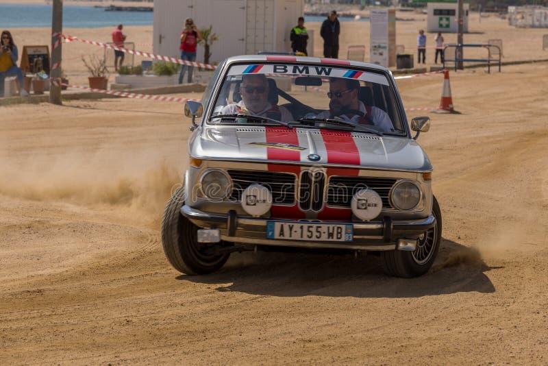 XV Sammlungs-Costa Brava Historic-Autorennen in einer Kleinstadt Palamos in Katalonien 04 20 2018 Spanien, Stadt Palamos stockbilder