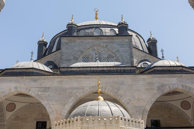 Download Xvi Wiek Atik Valide Meczet, Uskudar, Istanbuł, Turcja Zdjęcie Stock - Obraz złożonej z meczet, turcja: 57653926