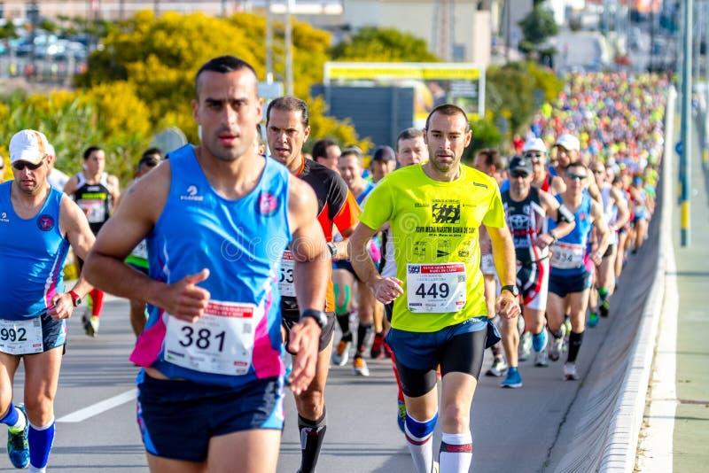XXVIII halv maraton Bahia de Cadiz arkivfoto