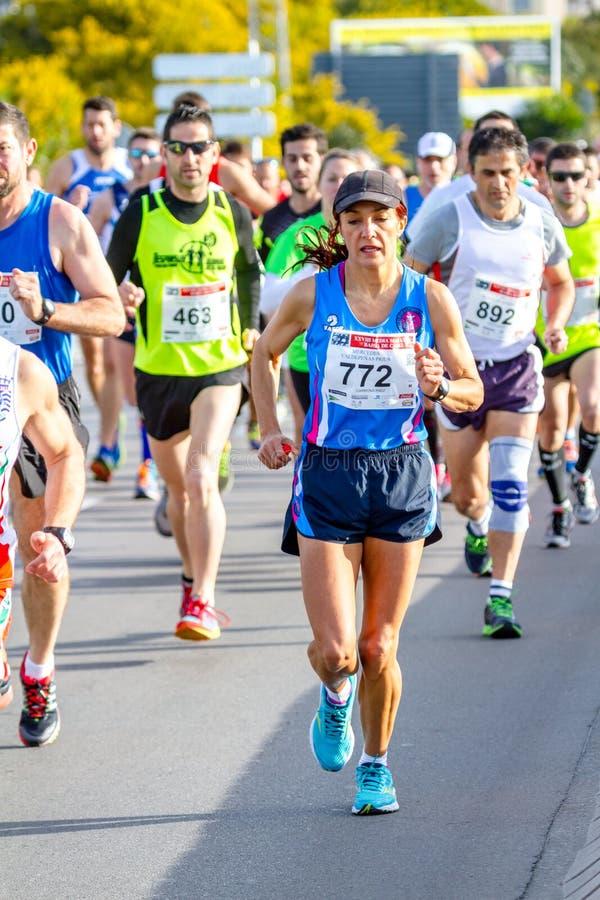 XXVIII halv maraton Bahia de Cadiz royaltyfri foto