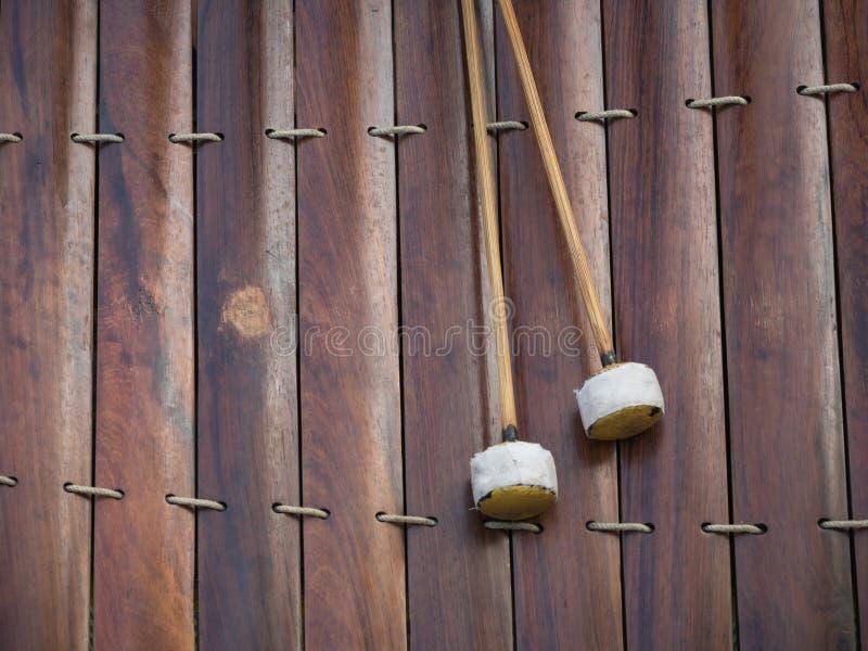 Xylofoon en trommelstokken stock foto