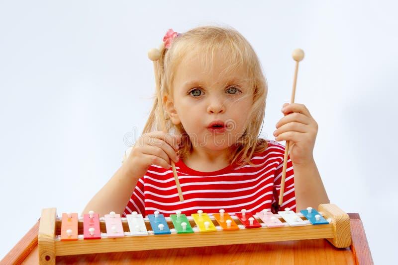 Download Xylophone del Rainbow immagine stock. Immagine di battimento - 3131153