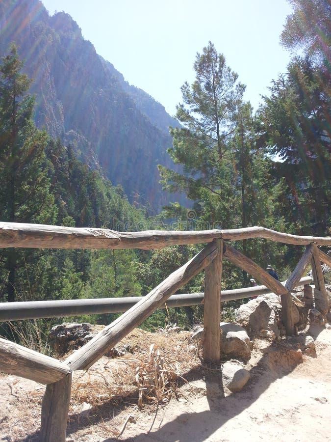 Xyloscalo - starten av går ner Samaria Gorge Crete royaltyfria foton