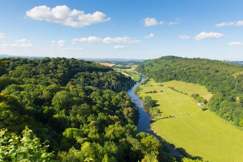 Y形支架谷和威河在Herefordshire县和格洛斯特郡英国英国之间从Yat晃动 库存照片