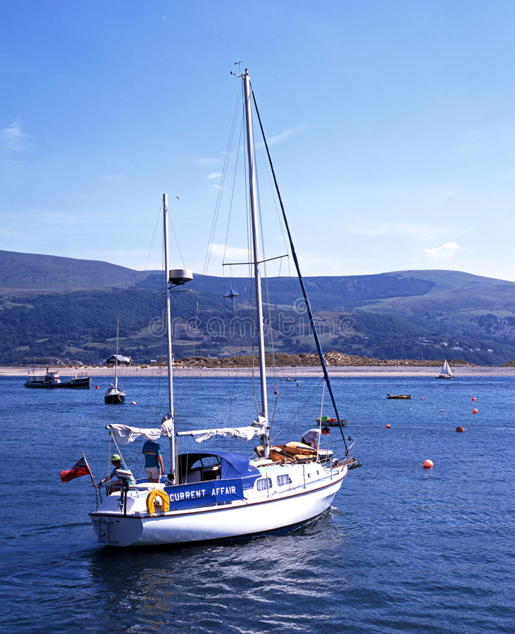 Yacht in barmouth Hafen stockbild