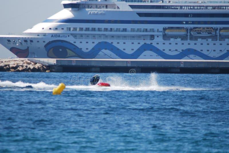 Yacht Britannia, véhicule, paquebot, bateau, bateau du ` s de Sa Majesté images libres de droits