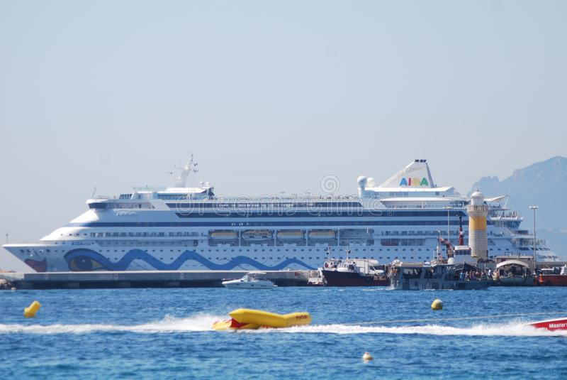 Yacht Britannia, véhicule, paquebot, bateau, bateau du ` s de Sa Majesté de moteur photos libres de droits