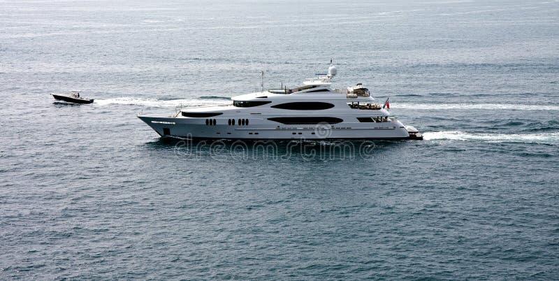 yacht de luxe de moteur de bateau images stock