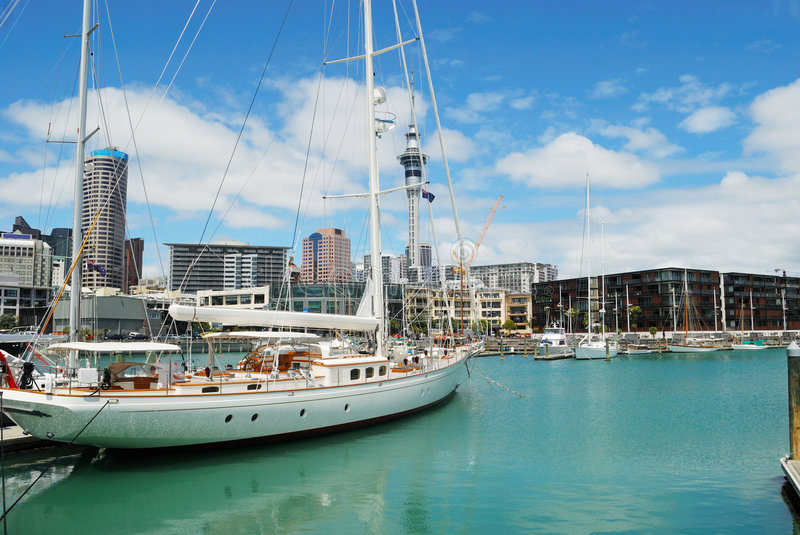yacht de port d'Auckland photographie stock