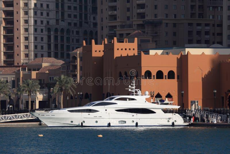 Yacht di lusso a Doha Qatar fotografia stock libera da diritti