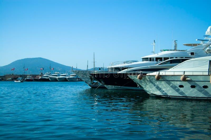 Yacht di lusso in San-Tropez immagini stock